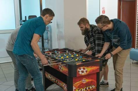 Kicker with teammates
